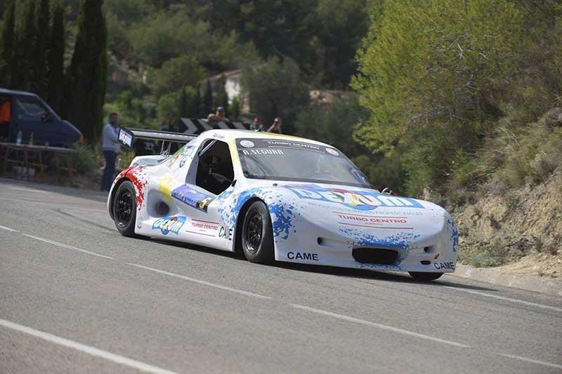 DEXUM team compitiendo rally montaña motor